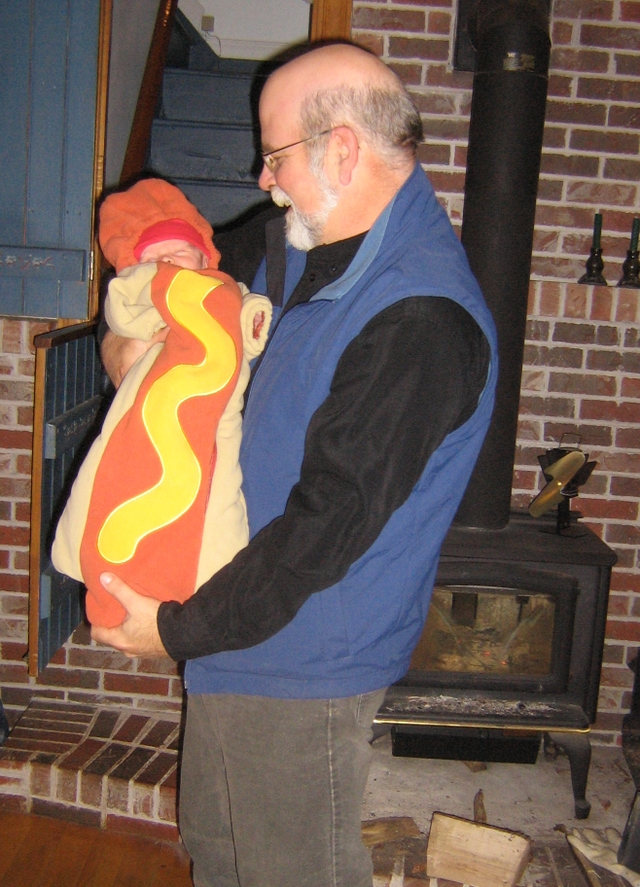 Nilbo_and_the_hot_dog